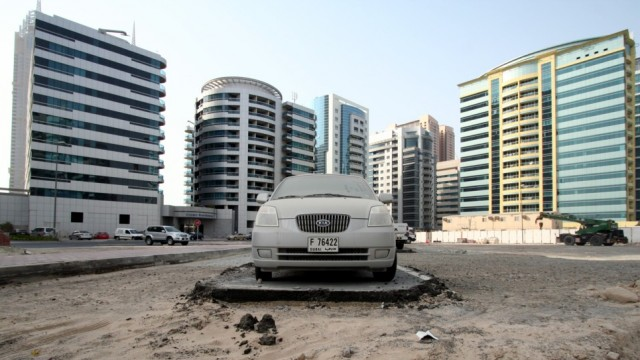Peekture Dubai S Abandoned Supercars